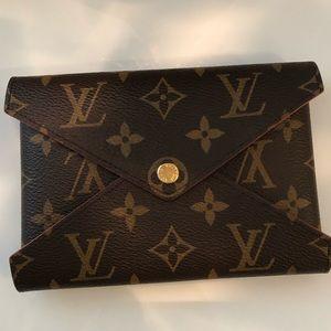 Louis Vuitton Medium Pouch. Perfect Condition.
